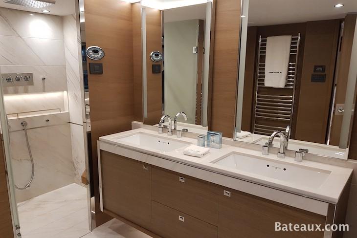salle de bain cabine proprietaire