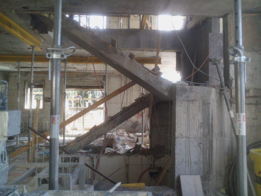 """קונצ'רטו למלט וברזל תמ""""א 38 חדר מדרגות בהתהוות"""