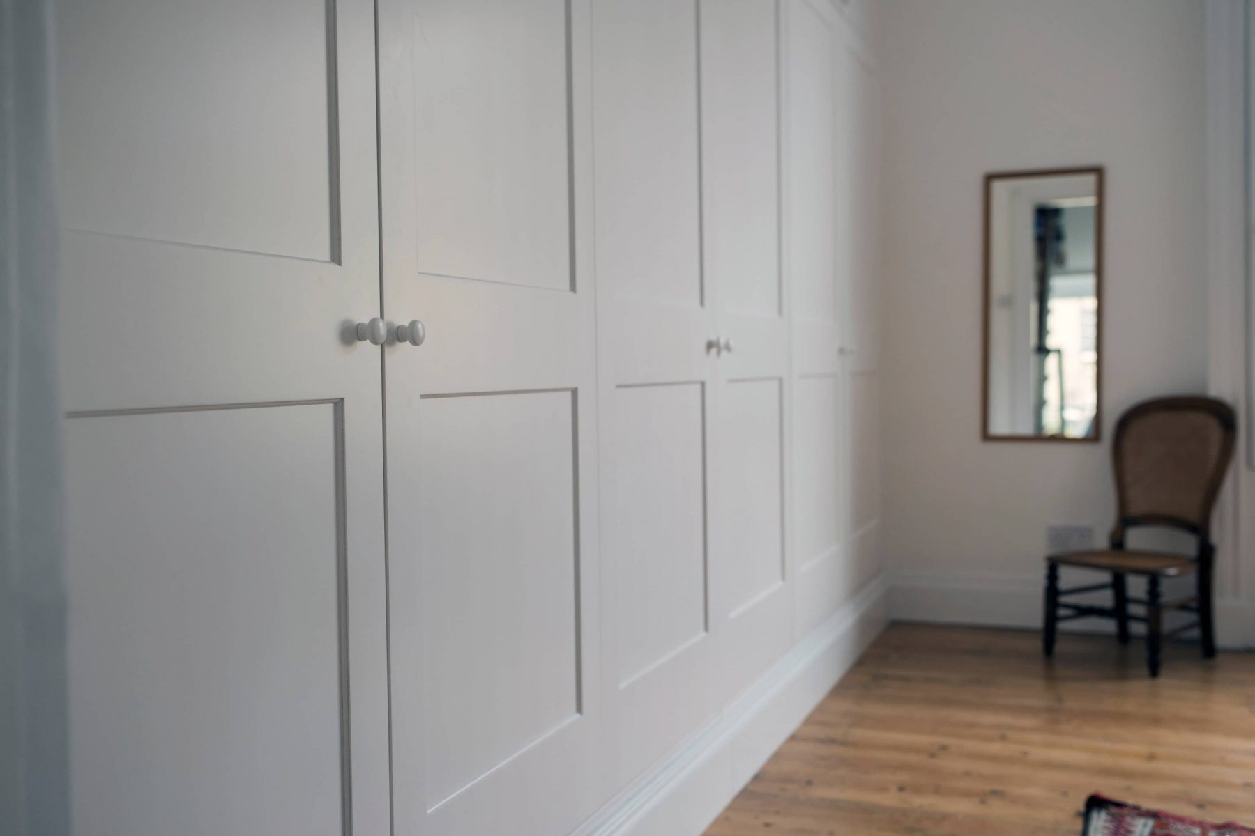 Fitted White Wardrobes And Office Furniture