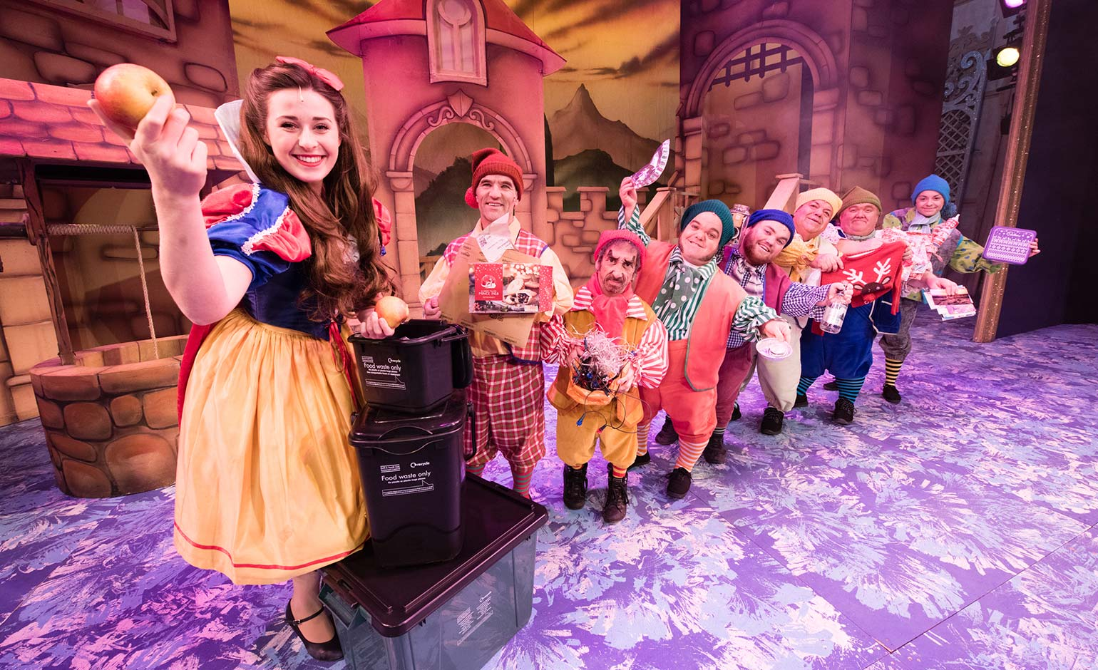 Panto stars help BNES Council highlight importance of Christmas recycling  Bath Echo