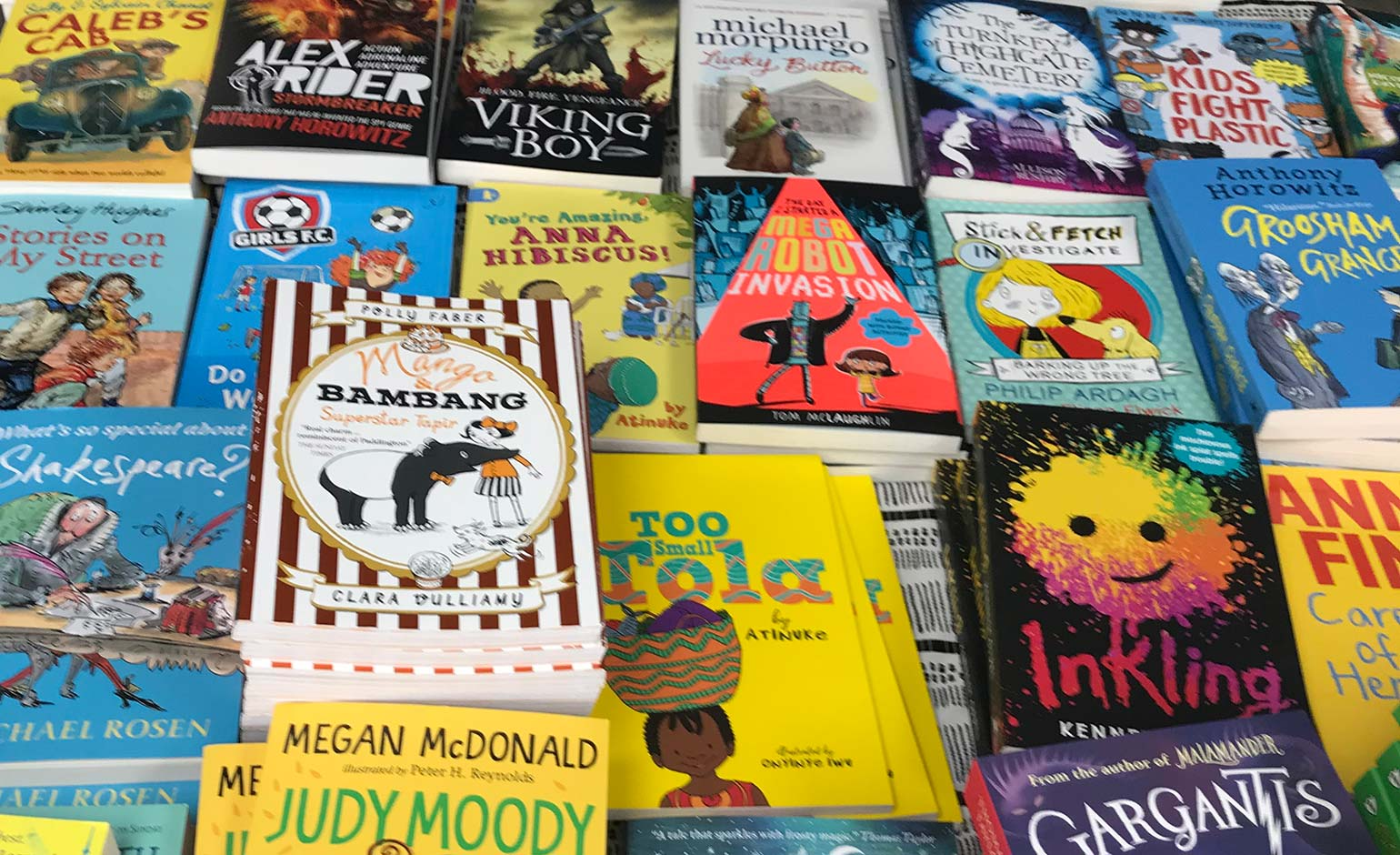 Southgate Bath Donates Hundreds Of Children S Books To