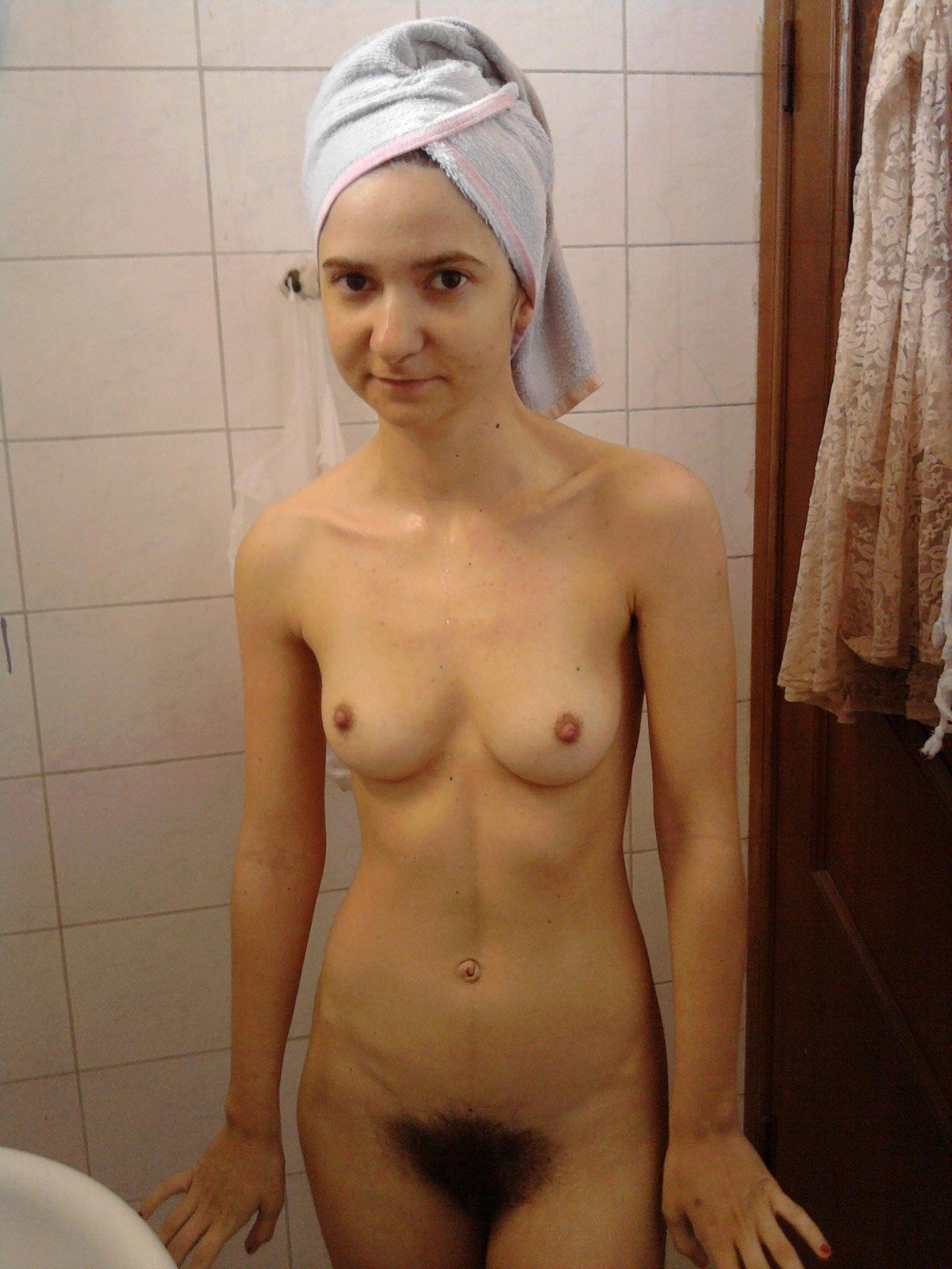 Bathroom Nude Girls