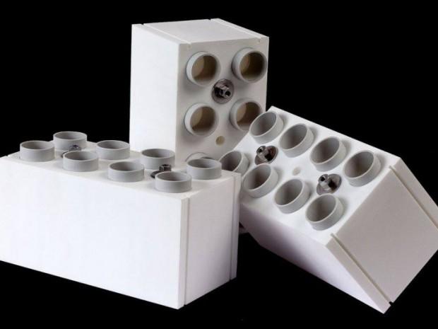 Un Italien Invente La Brique Lego Gante Pour Construire