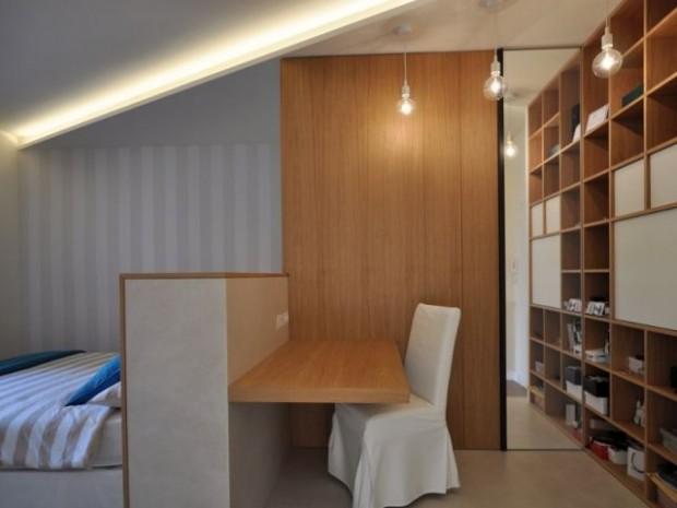 une tete de lit pour separer le lit du bureau