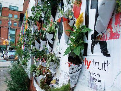 Guerrilla jardinière, Posters Pockets Plants Toron