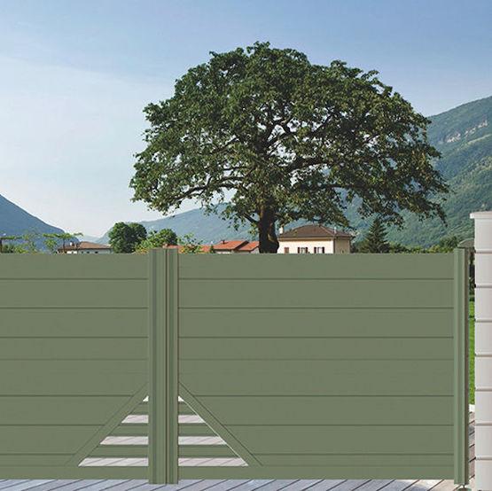 portail battant ou coulissant en aluminium avec decor a barreaudage portail alu design pyramide