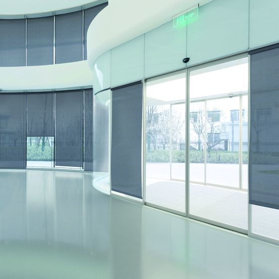 toile textile resistante semi transparente pour store interieur soltis touch