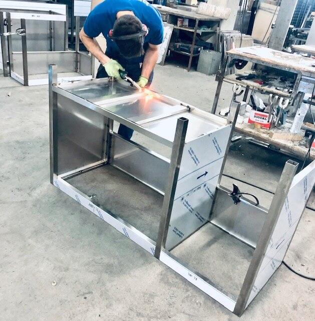 fabrication mobilier professionnel sur mesure inox