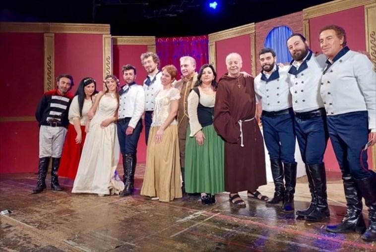 """Trani – Teatro a corte:la Compagnia dei Teatranti in """"So' cose da pazzi"""""""