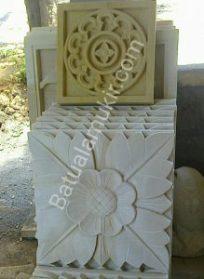 Ukiran Tempel Bunga