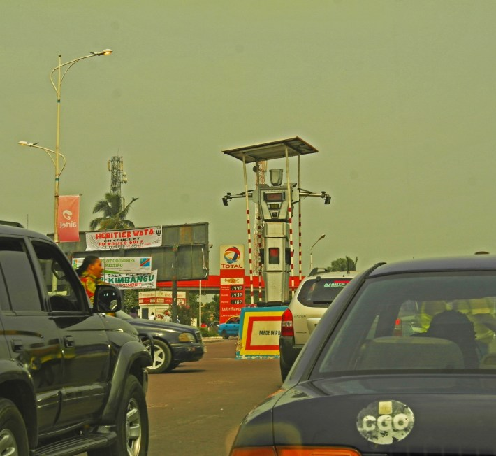 Kinshasa traffic police robot