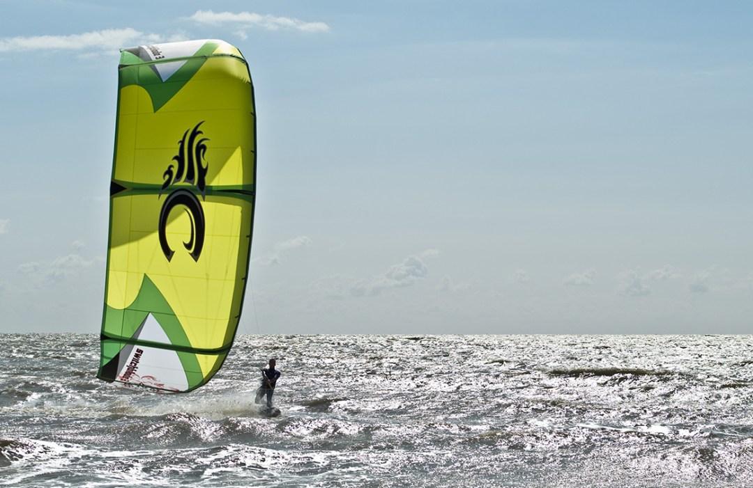 KITE SURF À LA POINTE DE FROMENTINE