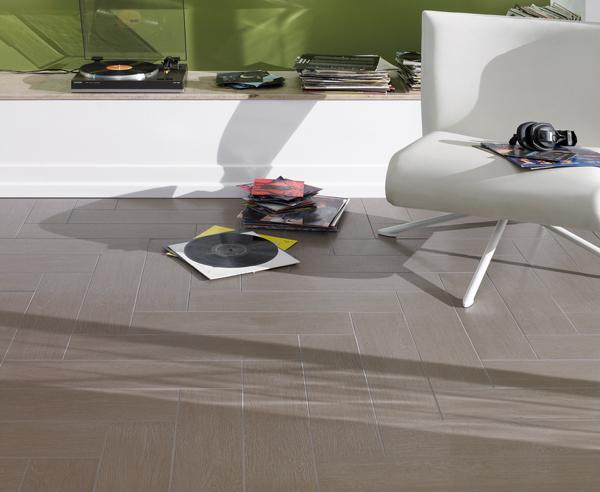Alternative zu Echtholz Vinylboden und Fliesen in