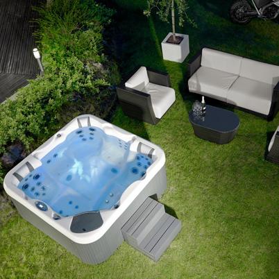 Vasche idromassaggio per interno ed esterno installazione