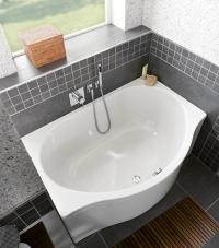 Bodengleiche Duschpltze und Badewannen fr kleine Badezimmer