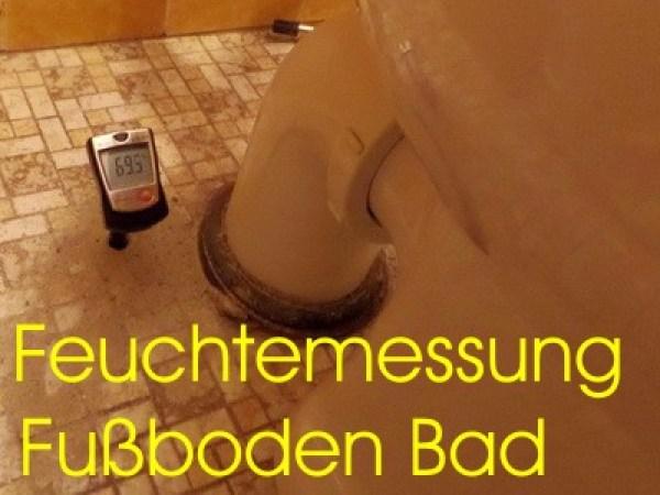 Feuchtemessung Fußboden Bad, Fussboden, Schimmel in der Wandecke