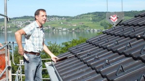 Gutachter Dachdeckerhandwerk,Einhangblech prüfen,Bausachverständiger Schmalfuß Baugutachter Augsburg Hauskaufberatung
