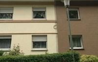 Wärmedämmverbundsystem WDSV überdeckt Stuck an Fassade