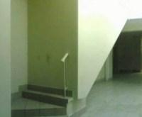 Treppe endet vor einer Wand