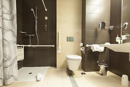 Altersgerechtes behindertengerechtes Badezimmer