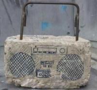 Radio als Betonklotz