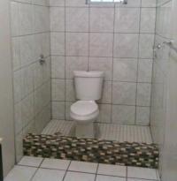 Toilette in Dusche