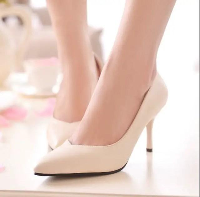 Ten Rengi Topuklu Ayakkabı Modelleri