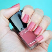 chanel rose confidentiel nail polish