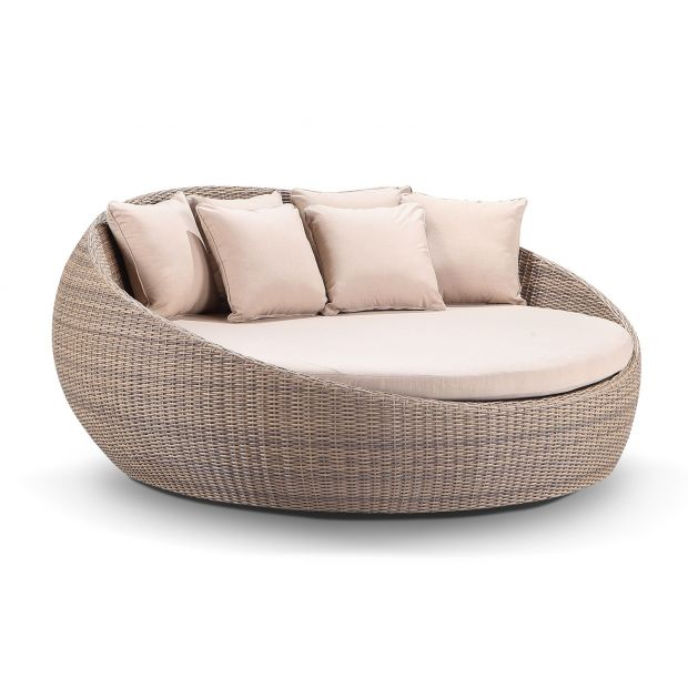 large newport round outdoor wicker daybed without canopy