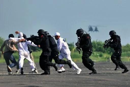 Antiterror Übung Befreiung von Geisseln Foto-Quelle: Jakarta Post