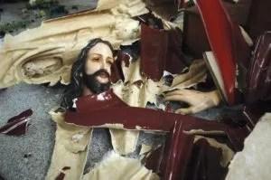 Ein zerstörter Jesus dapd Fotoquelle: focus.de