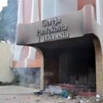 Aufgebrachte Muslime zünden Kirchen an