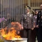 Handys öffentlich verbrannt – Umweltschutz! Was ist das?