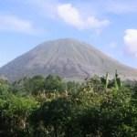 Der Vulkan Lokon auf Sulawesi kommt nicht zur Ruhe