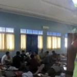 Flüchtlingsboot mit 250 Menschen an Bord gekentert