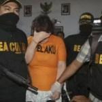 Eine britische Staatsbürgerin mit 4,7 Kg Heroin in Jakarta festgenommen