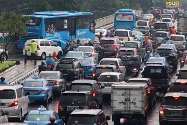Zivilisten sollen Verkehr regeln / Screenshot thejakartapost.com