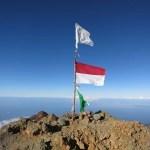 Erste indonesische Fahne gesichert wie Fort Knox