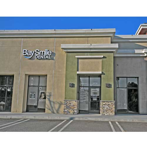 Bay-Smile-Dental-storefront-2