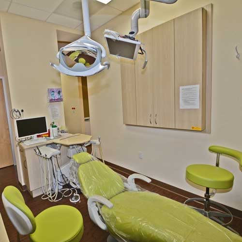 Bay-smile-dental-green-operatory-2