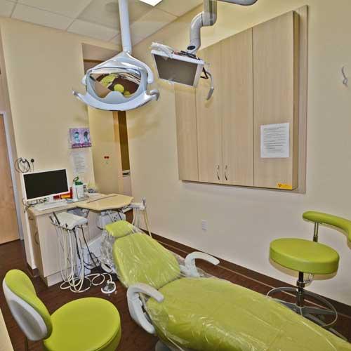 Bay-smile-dental-green-operatory-2