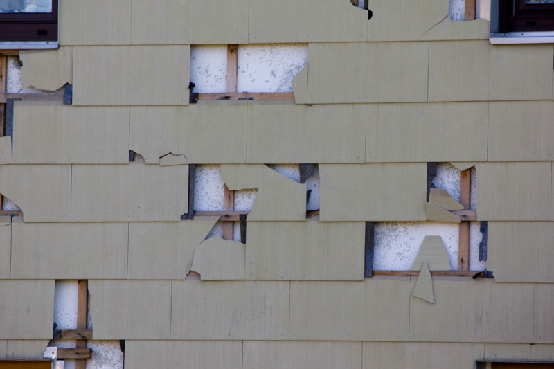 Signs That You Need Replacement Siding
