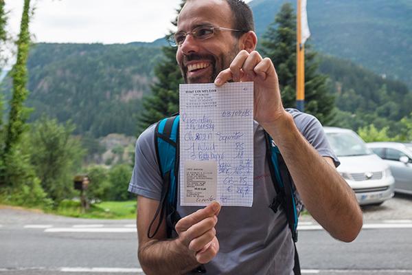 """La """"factura"""" que nos dieron en el hotel de Les Houches. Muy artesanal"""
