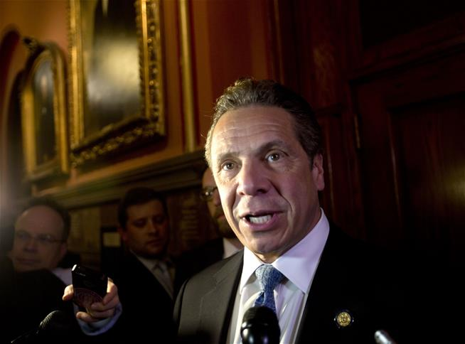 New York Governor orders state's minimum wage to $15