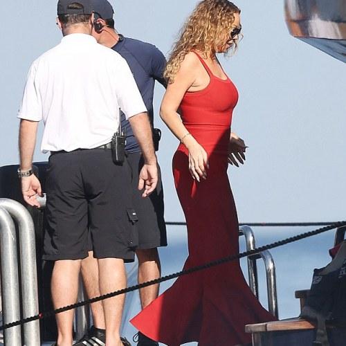 PHOTOS:  Mariah Carey on holiday in Capri with billionaire fiance James Packer