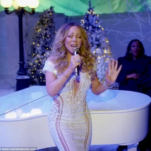 WATCH: Mariah Carey cooks with her adorable son in adorable at home video