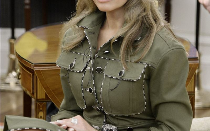 PHOTOS: U.S First Lady  Melania Trump sports $4,700 outfit to meet and greet with Argentinian First Family