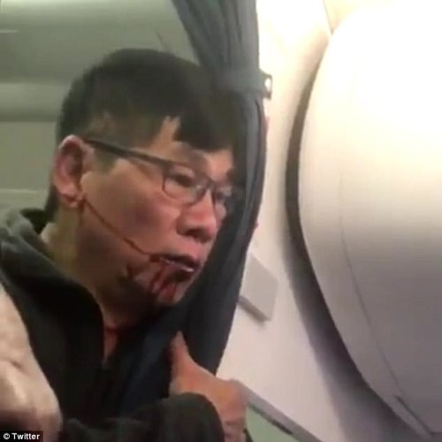 United Airlines to refund every passenger that was aboard overbooked flight