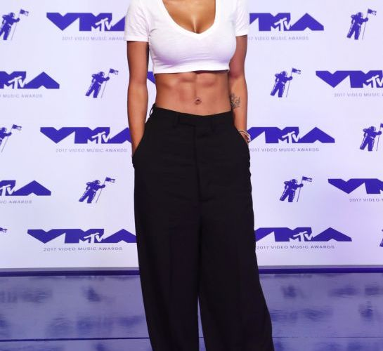 Video Music Awards: The White-Hot (and weird) arrivals