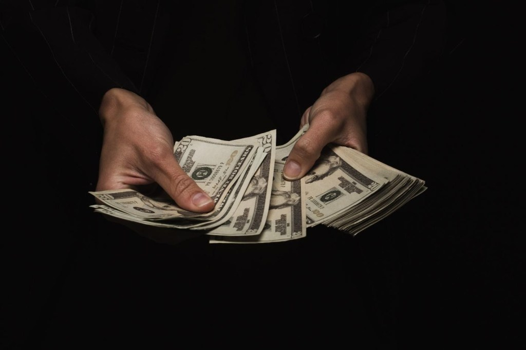 Scams to Avoid When Trying to Make Money Online 2